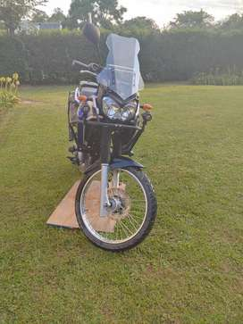 Moto Yamaha Tenere XTZ 250