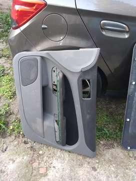 Tapizado de puerta delantera de Ford Focus original