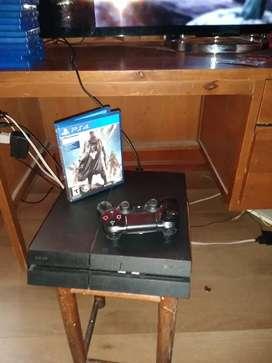 Play station Sony  4 Ps4 en buen estado con control y juegos