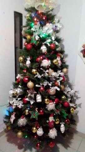 Árbol de navidad con adornos ve