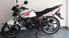 Motocicleta AKT 125 Evo NE