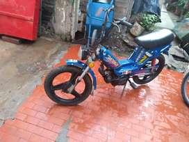 Vendo ciclomotor funcionando lomas de Zamora