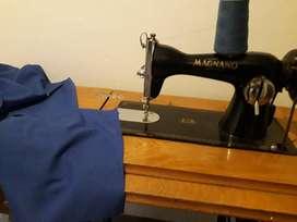 Maquina de coser - Antigua