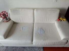 Sofá blanco, estado 80 / 100 excelente precio