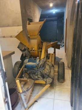Maquina trituradora de madera.