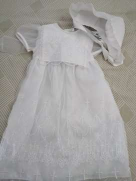 Hermoso vestido de bautizo nuevo
