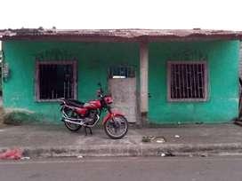 Casa esquinera cerca del centro de quinsaloma