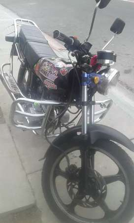 Vendo moto shineray 150 cc al día negociable