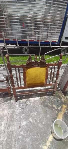 Vendo cama antigua sencilla solo cabecero y piecero