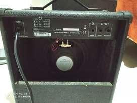 Vendo o cambió amplificador y pedalera efectos