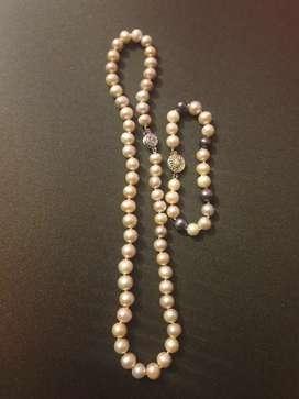 Vendo  collar de perlas .