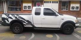 Camioneta 4x4 Ford Lobo