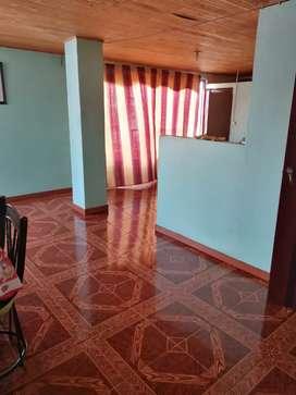 Vendo casa de dos pisos céntrica en Quimbaya