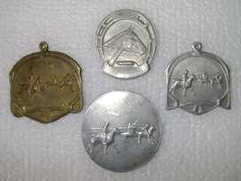 4 Medallas Chapas Trofeo Turf Polo Caballos / Maxim Nord