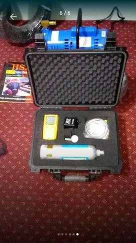 Detector de gases  multigases explosimetro confinados rescate petzl bomberos