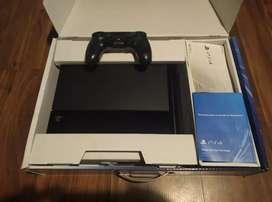 Vendo PlayStation 4 de 1tb en perfectas condiciones, completa en caja!