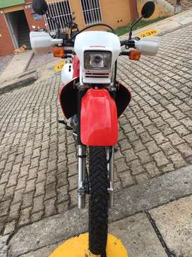 VENDO HONDA XR 650L /DR650/XT660