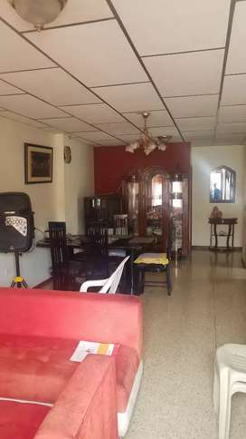 Casa Esquinera Samanes 6