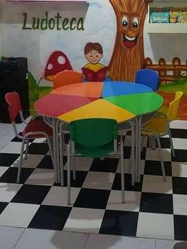 Vendo set de mesas para jardines infantiles en excelente estado