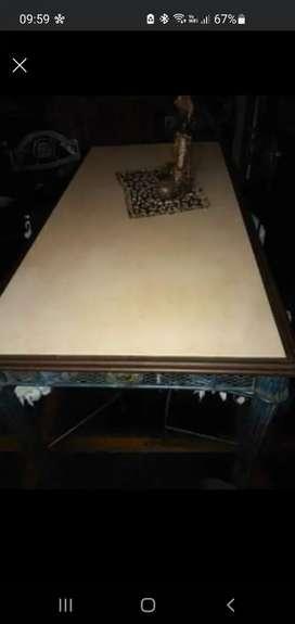 Mesa de hierro forjado con marmol 1.55 largo x 0.80 ancho x 0.75 de alto con 4 sillas y 2 sillones