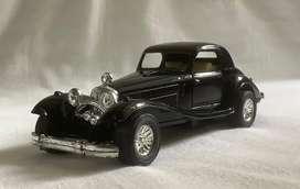 Carro de colección. Mercedes Benz 540K (W29) 1936-40. Escala 1:38. Ref. SS-302-4. Como nuevo. Negro.