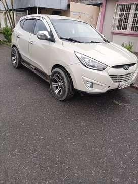 Vendo hyunday tucson en $.20.000, o cambio con camioneta Dimas del 2014 en adelante.