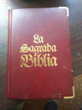 Biblia hojas enchapadas en oro