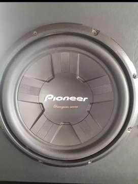 "Subwoofer Pioneer 12"""