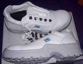 Vendo zapatos de seguridad marca OMBU talle 41 nuevos