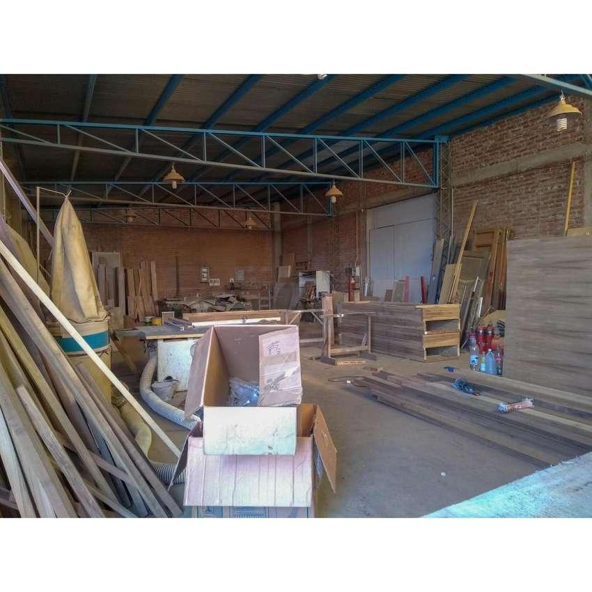 Galpón de 200 m2 con Terreno de 300 m2 en Alquiler 0