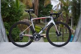 Bicicleta Bmc Roadmachine 01 trek colnago ruta specialized pinarello carbono disco basso