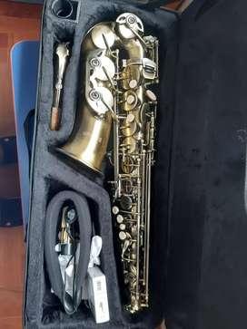 Saxofon seminuevo