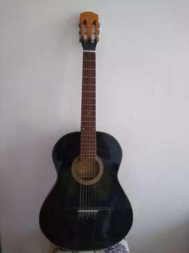 Guitarra criolla impecable
