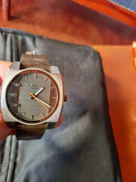 Se vende reloj  diésel  original