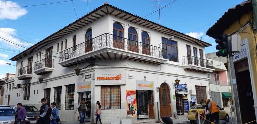 Hermosa Casa en El Centro de Latacunga 0