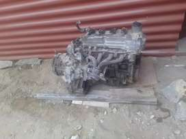 Motor y caja de auto