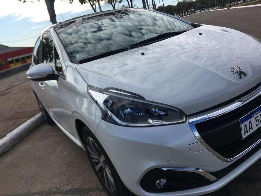 Peugeot 208 Felinne Pack Cuir (Tope de gama)