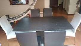 Mesa Aristas expandible 6 puestos + 6 sillas