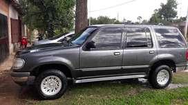 Vendo Ford Explorer XLT mod 99