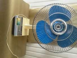 Ventilador Phillips Súper Deluxe para escritorio, dos velocidades, electric Fan y timer