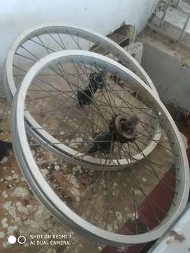 Caballo de bicicleta y rines gw