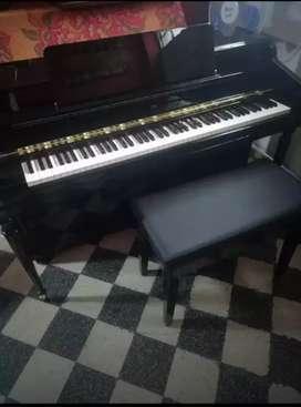 Piano vertical story clark