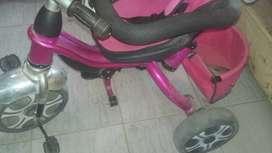 Triciclo de nena