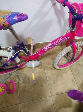 Vendo cicla de niña