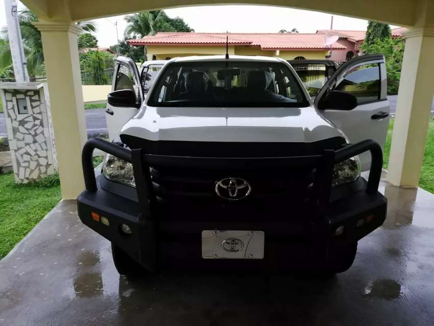 Se vende Hilux  impecable 0