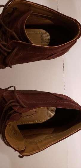 Zapatos Hush Puppies de Gamuza