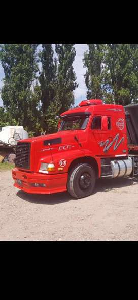 Vendo Volvo NL 12 360 impecable