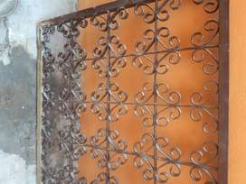 Puerta reja antigua hierro macizo