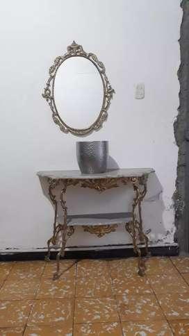 Mesa de bronce y mármol (ya está pulida)