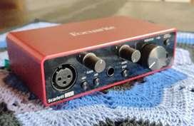 Placa de audio externa Focusrite (solo)